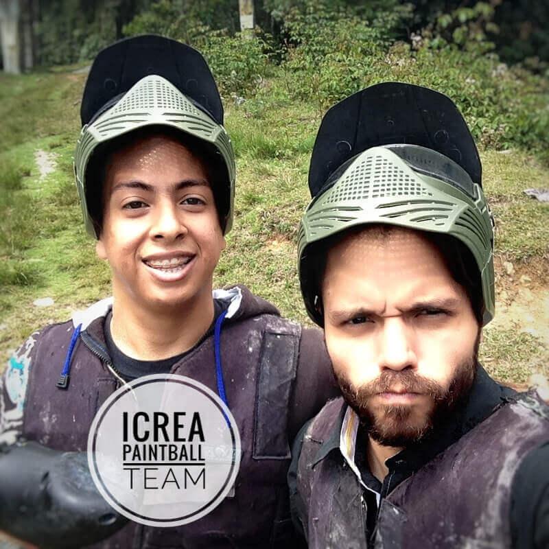 iCrea Team Building - Alfonso Mora líder del equipo Rojo y Gabriel Castillo líder del equipo Naranja
